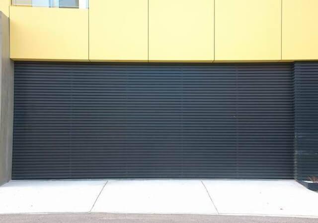 Flat Steel Sheet Tilt Panel Lift Garage Door with Powdercoated Aluminium