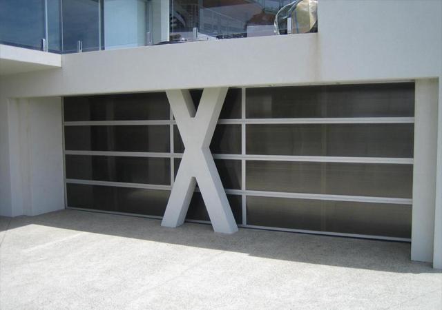35C_Custom_Sectional_Polycarbonate_0_custom-doors_640px